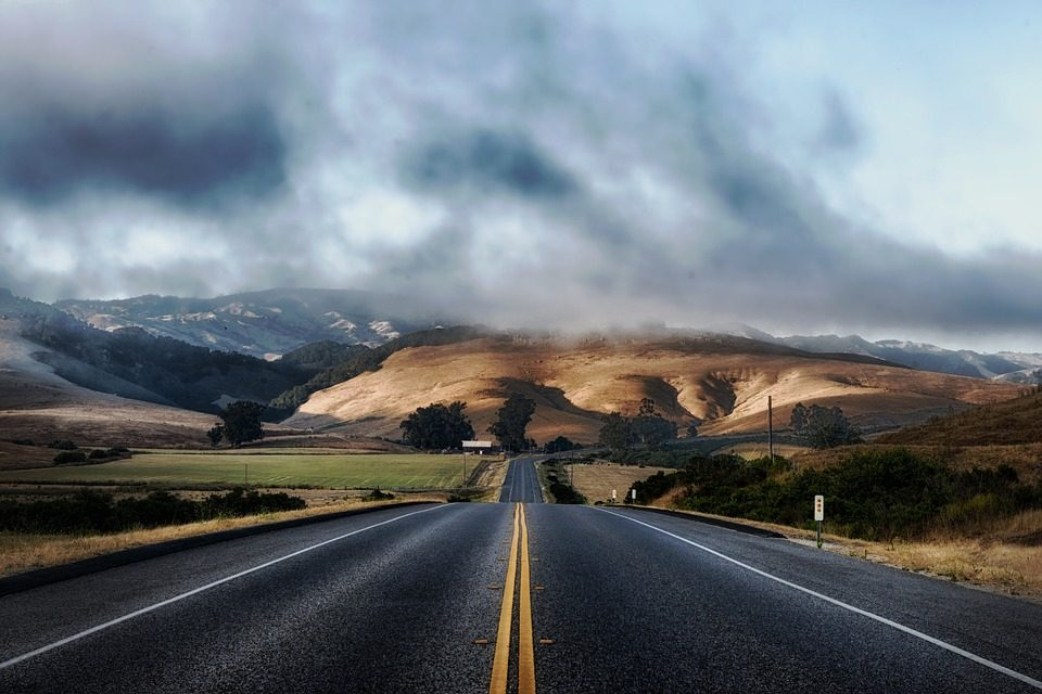 3 Tips For Traveling On The Freeway In Bad Weather Conditions